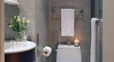 Handdoekrek Aan Glazen Douchedeur