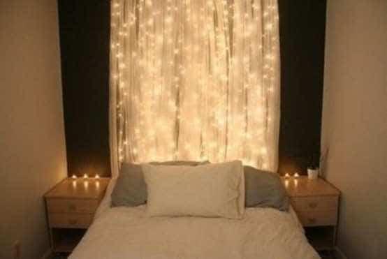 Romantische Verlichting In Kleine Slaapkamer