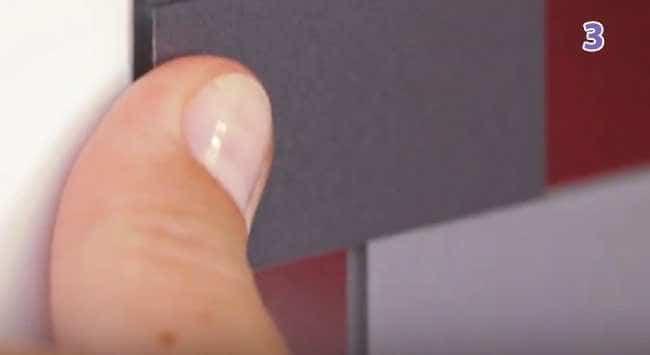 Stap 3 - Spiegel Ophangen En Vastplakken