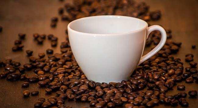 Koffieaanslag Verwijderen Uit Kopjes En Thermosflessen