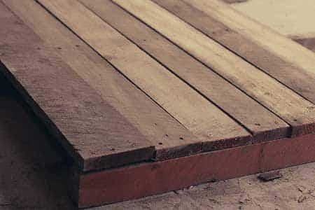 Planken Terug Op De Balken Spijkeren Of Schroeven