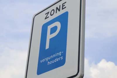 Vraag op tijd een parkeervergunning aan