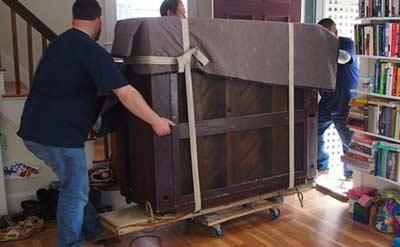 Meubelroller gebruiken voor piano vervoer