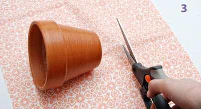 Stap 3 - Stof Voor Bloempotje Op Maat Knippen