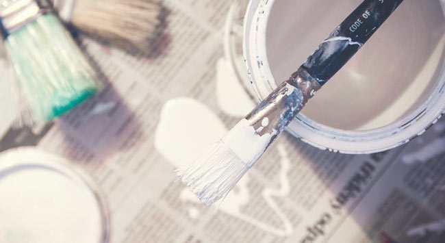 Verfvlekken Verwijderen [Van Vloerbedekking – Hout – Laminaat]