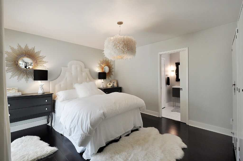 verlichting in de slaapkamer boven het voeteneind