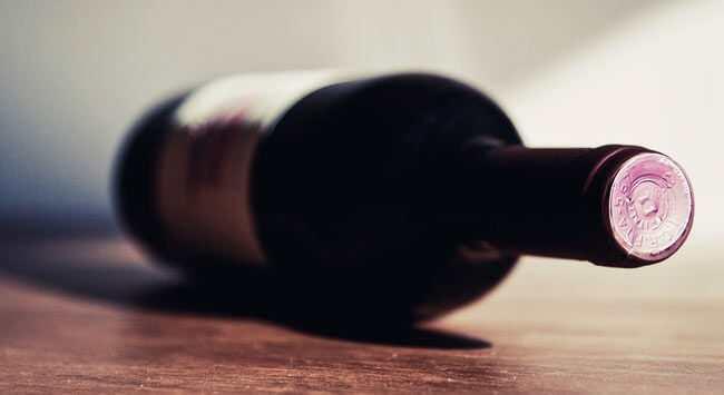 Rode Wijnvlekken Schoonmaken Van Leren Stoelen En Banken